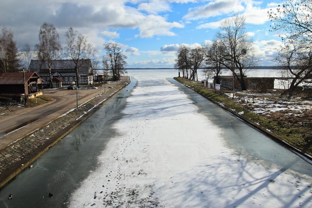 Kanał Gizycki zimą- Niegocin