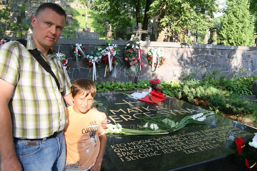 Cmentarz-na-Rossie- Serce Piłsudskiego_ wycieczka do Wilna