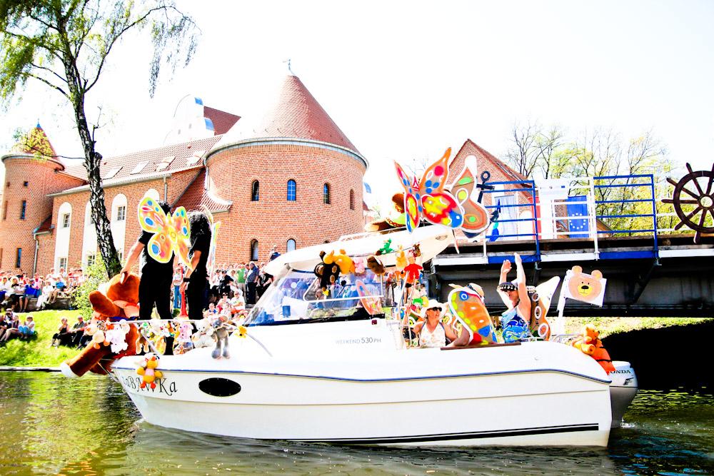 Kolorowe łódki