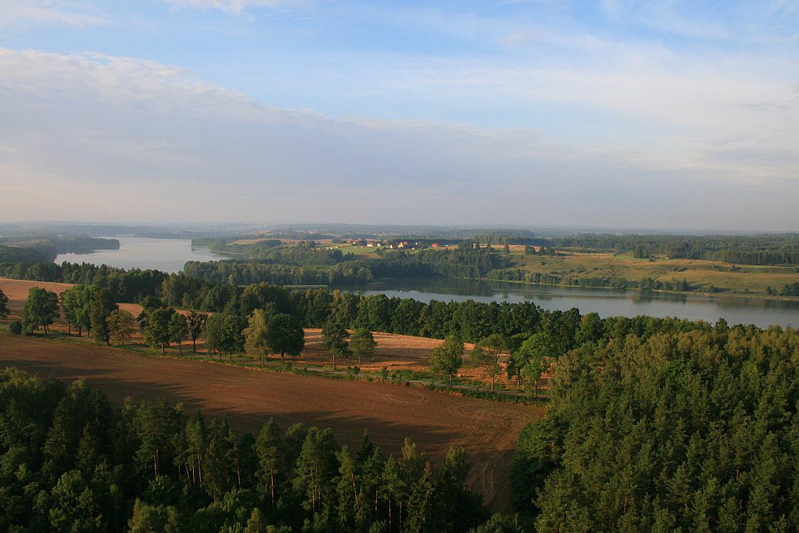 Mazury -okolice Mrągowa -widok z kosza balonu