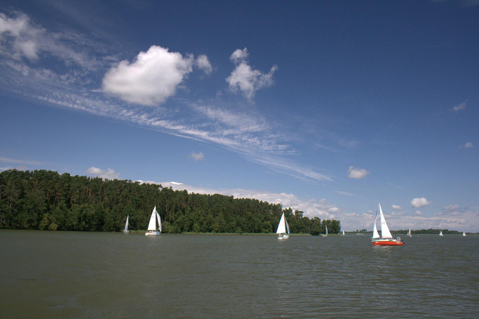 Widoki z Promu w Wierzbie- z jeziora Bełdany