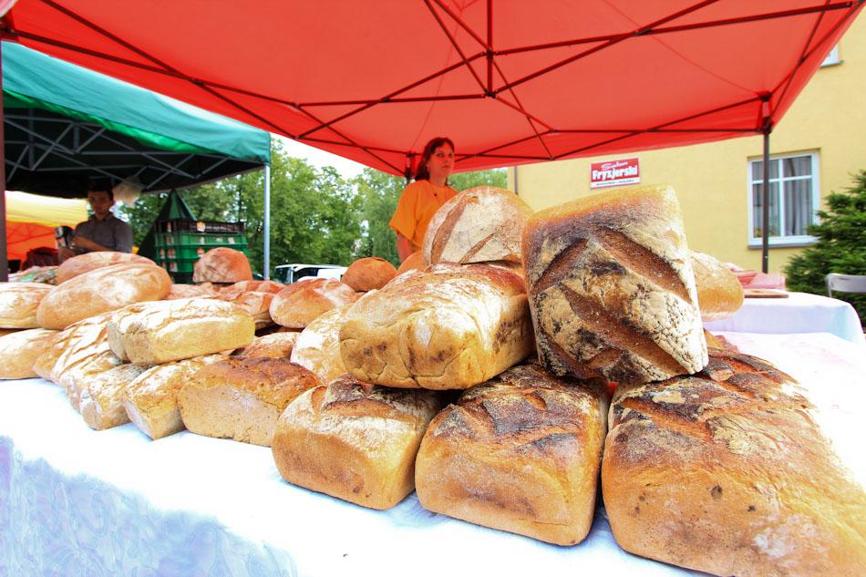 Jarmark w Węgorzewie- chleby- ciekawe imprezy Mazury-1